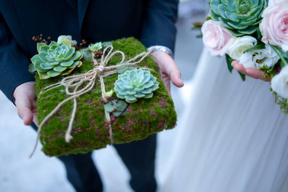 Ý tưởng trang trí địa điểm tổ chức tiệc cưới bằng sen đá
