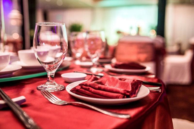 Hơn 20 mẫu thực đơn tiệc cưới hấp dẫn tại nhà hàng Riverside Palace