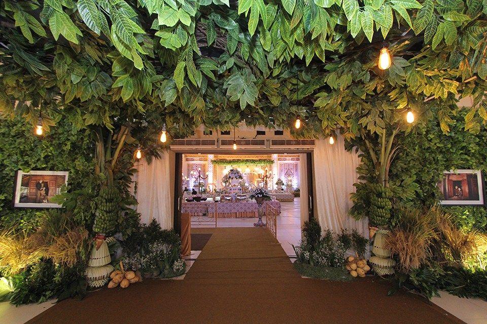 Riverside Palace gợi ý cách thiết kế cổng hoa cưới độc đáo cho ngày trọng đại của bạn