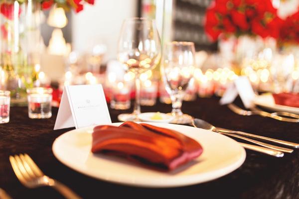 Tổ chức tiệc cưới vớ sắc đỏ quyến rũ tại nhà hàng tiệc cưới TP.HCM