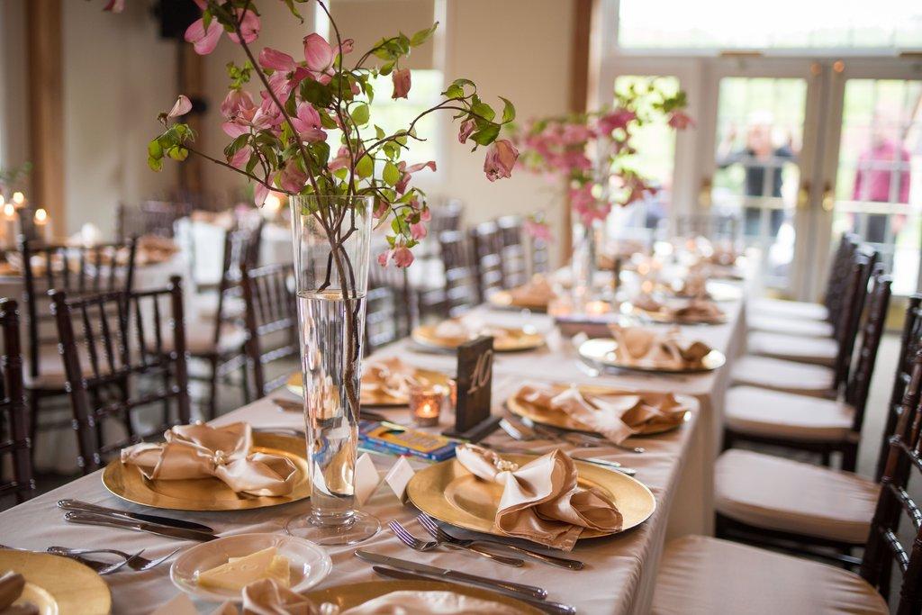 Lời khuyên cho tiệc cưới tiết kiệm và ngập tràn niềm vui trong mùa xuân
