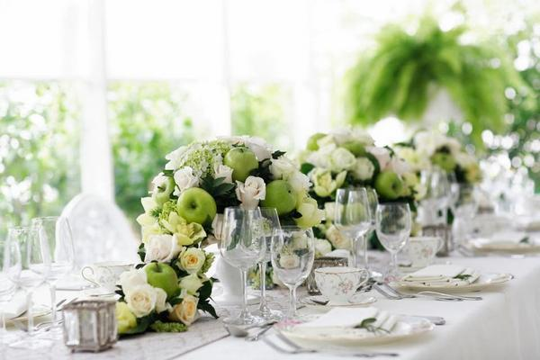 Tiệc cưới lãng mạn trong mùa xuân