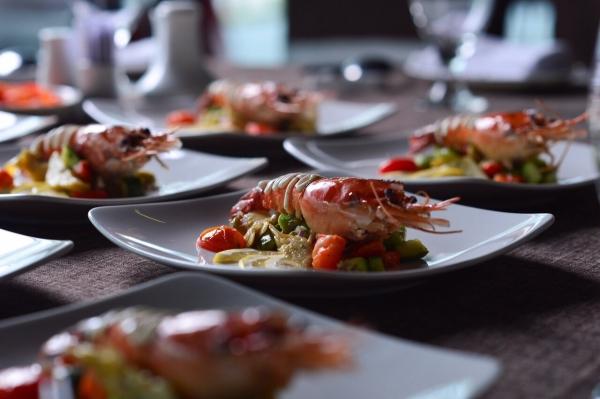 Tôm càng hấp - Salad Atichoke